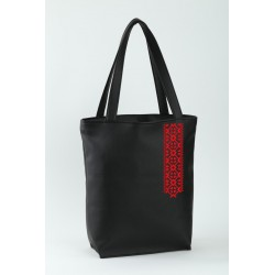 Молодежная женская сумка с вышивкой