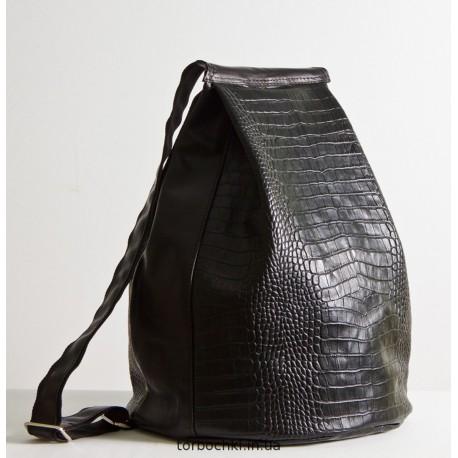Рюкзак из натуральной кожи с тиснением